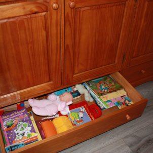 jouets et livres pour enfants