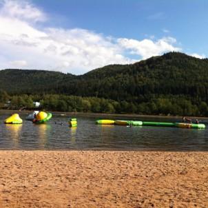 Jeux gonflables dans l'eau